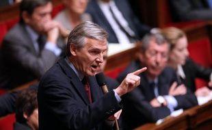 """Le trésorier de l'UMP, Dominique Dord, s'est dit """"surpris"""" jeudi que Christine Boutin (PCD) réclame à son parti un versement de 180.000 euros au titre d'un accord passé avec Nicolas Sarkozy sur une compensation à hauteur de 800.000 euros de son retrait de la course à l'Elysée."""