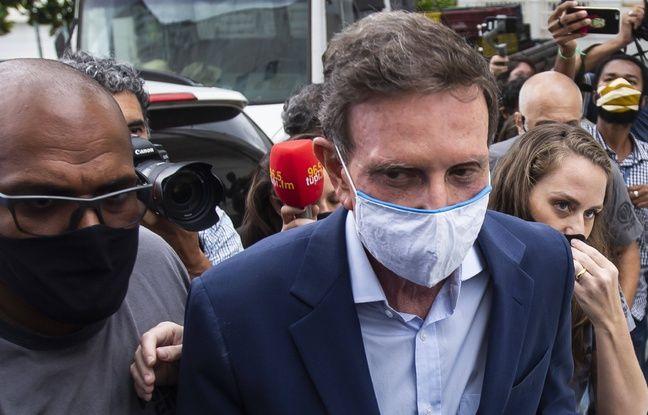 648x415 le maire de rio de janeiro marcelo crivella masque blanc lors de son arrestation le 22 decembre