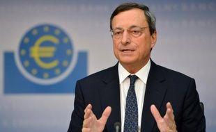 """La zone euro doit poursuivre son désendettement mais le soutien de la Banque centrale européenne ne suffira pas à résoudre la crise et """"le plus important"""" maintenant est """"d'avoir des politiques de croissance"""", a estimé samedi Benoît Coeuré, membre du directoire de la BCE."""