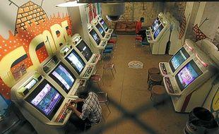 Quarante nouvelles bornes d'arcade ont été installées à Arcade Street.
