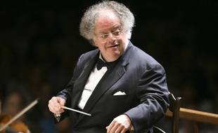 James Levine en train de diriger l'Orchestre symphonique de Boston, en juillet 2006.