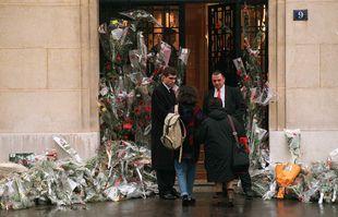 Le 9 janvier 1996, au 9 de l'avenue Le-Play à Paris, le lieu où François Mitterrand est décédé la veille.