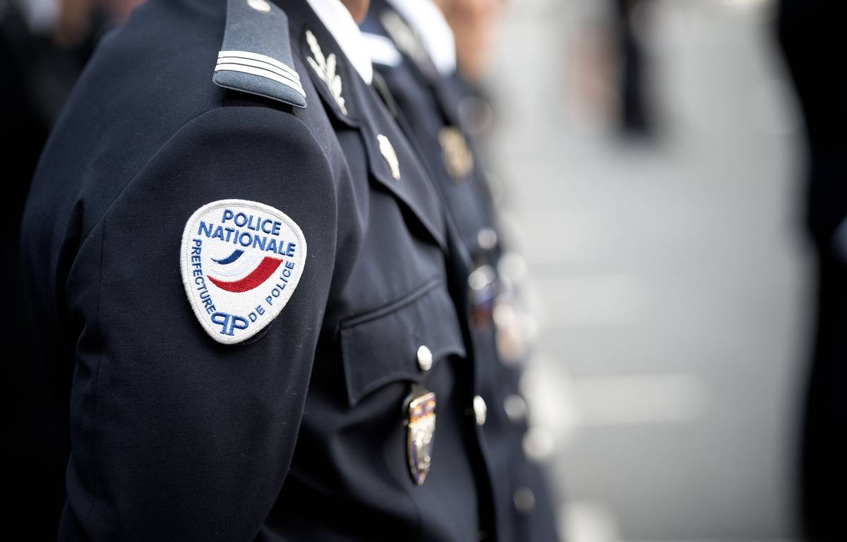Illustration d'un policier à Paris en juillet 2015. –  NICOLAS MESSYASZ/SIPA
