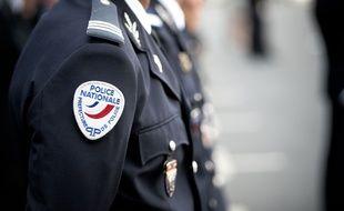 Illustration d'un policier à Paris en juillet 2015.