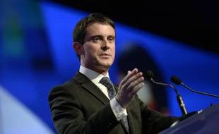 Le Premier ministre français Manuel Valls lors d'un discours à Paris le 27 novembre 2014