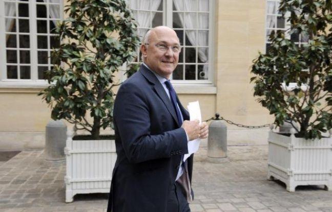 Le ministre du Travail français Michel Sapin dément dans un entretien publié lundi avoir rendu visite à Liliane et André Bettencourt, alors que l'avocat de l'ex président Nicolas Sarkozy a indiqué ce week-end avoir lu un témoignage accréditant une telle visite.