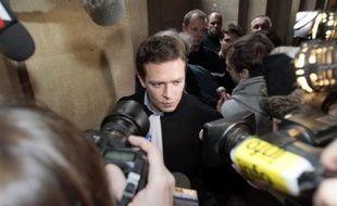 La demande de remise en liberté d'Yldune Levy, incarcérée depuis la mi-novembre avec son compagnon Julien Coupat dans l'enquête sur des dégradations contre des lignes TGV, a été rejetée vendredi par un juge des libertés et de la détention (JLD), a indiqué lundi une source judiciaire