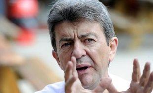 """Jean-Luc Mélenchon, le candidat du Front de gauche à l'Elysée, a dénoncé mardi une """"attitude hautaine insupportable"""" chez François Hollande envers la gauche radicale, après des propos du candidat PS relatés lundi dans The Guardian"""