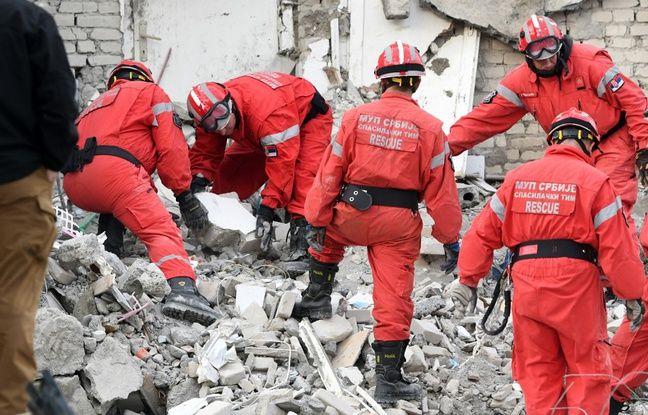 Albanie: Après le violent séisme, le pays en deuil recherche désespérément des survivants