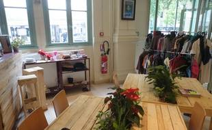 Les locaux de la Boutique sans argent (SigaSiga) dans le 12eme arrondissement.
