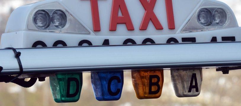 Le gouvernement envisage la création de « taxis amateurs » dans les zones rurales.