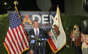 Le gouverneur démocrate de Californie, Gavin Newsom, avec le sourire après sa victoire au référendum sur son renvoi, le 14 septembre 2021.