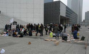Le campement des «Indignés» de La Défense (Hauts-de-Seine), le 7 novembre 2011.