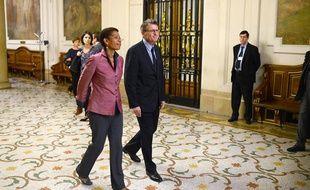 Le ministre de l'Education, Vincent Peillon, et la ministre déléguée chargée de la Réussite éducative, George Pau-Langevin, à La Sorbonne, à Paris, le 5 juillet 2012.