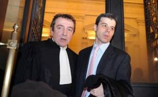 """Le ministère de la Justice a demandé l'exclusion pour un an de la magistrature du juge Fabrice Burgaud pour ses """"manquements"""" dans l'instruction de l'affaire de pédophilie d'Outreau, vendredi devant la formation disciplinaire du Conseil supérieur de la magistrature (CSM)."""