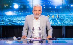 Pascal Praud sur le plateau de «20 H Foot» sur CNews.