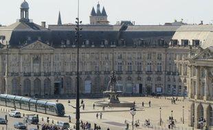 A Bordeaux le 29 septembre 2015, vue sur la place de la Bourse, depuis les quais de Bordeaux.