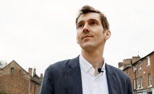 Le Britannique Tom Ciotkowski est bénévole auprès des migrants à Calais.