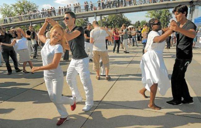 Des initiations à diverses danses, dont la Salsa, seront proposées du mercredi au dimanche.