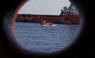 Illustration de migrants sécourus dans le Méditerranée. Un naufrage a fait au moins huit morts au large de la Turquie lundi 17 juin 2019.