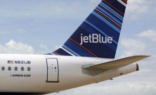 Avion de la compagnie JetBlue à Mobile aux Etats-Unis le 8 avril 2013