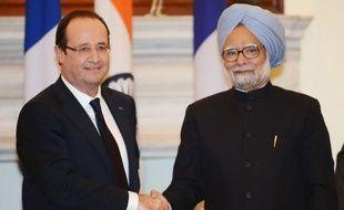 """Les discussions avec la France sur la vente du Rafale à l'Inde """"progressent bien"""", a déclaré jeudi le Premier ministre indien, Manmohan Singh, lors d'une conférence de presse conjointe avec le président français, François Hollande."""