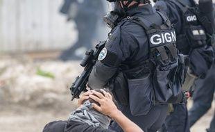 Une centaine de gendarmes ont été mobilisés pour l'opération (illustration)