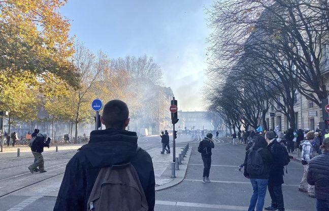 Des gaz lacrymogènes ont été tirés aux abords des Quinconces pour disperser les manifestants