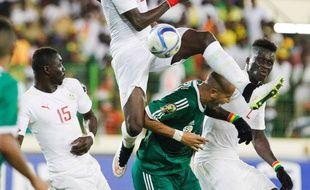 (150128) -- MALABO, Jan. 28, 2015 (Xinhua) -- El H. Papy Mison Djilobodji of Senegal competes during the group match of Africa Cup of Nations against Algeria at the Stadium of Malabo, Equatorial Guinea, Jan. 27, 2015. Algeria won 2-0. (Xinhua/Li Jing)/CHINENOUVELLE_730.082/Credit:Li Jing/XinHua/SIPA/1501281051