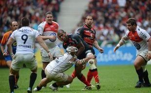 Le Rugby club toulonnais, par la voix notamment de son président Mourad Boudjellal, s'est dit jeudi surpris par l'annonce selon laquelle son ancien pilier gallois Eifion Lewis-Roberts aurait été convaincu de dopage à l'issue de la finale du Top 14 2012, le 9 juin.