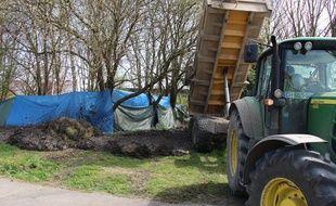 Le maire d'Haubourdin a fait déverser de la boue sur un campement rom