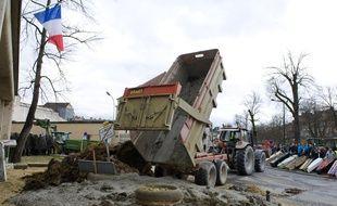 Le 1er février 2016 à Moulins dans l'Allier, lors d'une manifestation des agriculteurs en colère.