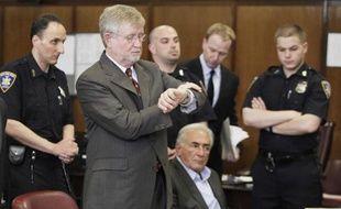 L'avocat de Dominique Strauss-Kahn, William Taylor plaide pour une libération sous caution de son client le 19 mai 2011 lors de l'audience de l'ancien patron du FMI au tribunal de Manhattan.