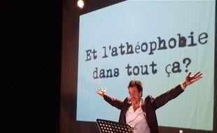 Le spectacle écrit par Charb et joué par Gérald Dumont.