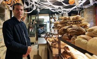 Benjamin Durand a ouvert avec son frère Mickaël la boulangerie du Château, à Châteaugiron, près de Rennes. Créée en 2015, elle est en finale de l'émission La meilleure boulangerie de France, diffusée sur M6.