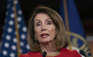 Nancy Pelosi est la présidente de la Chambre des Représentants aux Etats-Unis.