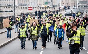 """Manifestation de """"gilets jaunes"""" à Lyon, le 15 décembre 2018."""
