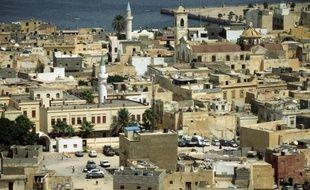 Un ancien militaire français a été tué par balles samedi dans son appartement au centre de Tripoli, a-t-on appris de sources des services de sécurité et l'ambassade de France à Tripoli.