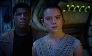 John Boyega et Daisy Ridley dans «Star Wars VII».