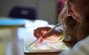 L'iPad 2018 est compatible avec le stylet Apple Pencil.