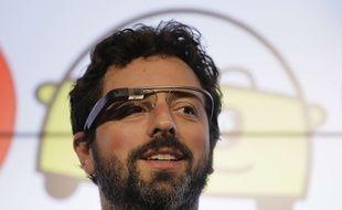 Sergey Brin, le co-fondateur de Google, en septembre 2012 avec les Google Glass.