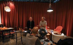 Alain Fontanel (à gauche) et Jean-Luc Falbriar dans le salon de l'Espace K.