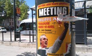 Une affiche sauvage collée à Toulouse.