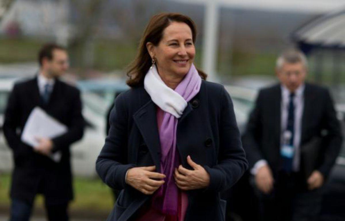 La ministre de l'Environnement Ségolène Royal aux Mureaux, dans les Yvelines, le 5 février 2016 – KENZO TRIBOUILLARD AFP