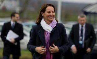 La ministre de l'Environnement Ségolène Royal aux Mureaux, dans les Yvelines, le 5 février 2016