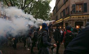 Après l'élection d'Emmanuel Macron à la présidence de la République française, les manifestants antifascistes ont été attaqués par des militants d'extrême droite dans le centre-ville, vers 21h. Illustration