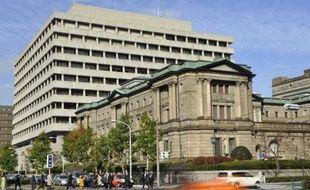 La confiance des grandes entreprises manufacturières nippones a chuté en décembre, à cause d'une conjoncture mondiale peu propice aux exportations, ce qui renforce la pression sur la Banque du Japon (BoJ) à quelques jours d'une réunion de politique monétaire.