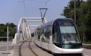 extension  ligne de tram B.( Terminus Lingosheim arrêt Tiegaertel). le 24 06 2008
