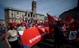 Des dizaines de milliers de personnes ont participé samedi dans le centre de Rome à une grande manifestation en faveur de l'emploi et de l'équité fiscale, à l'appel des trois principales confédérations syndicales du pays, a constaté l'AFP.