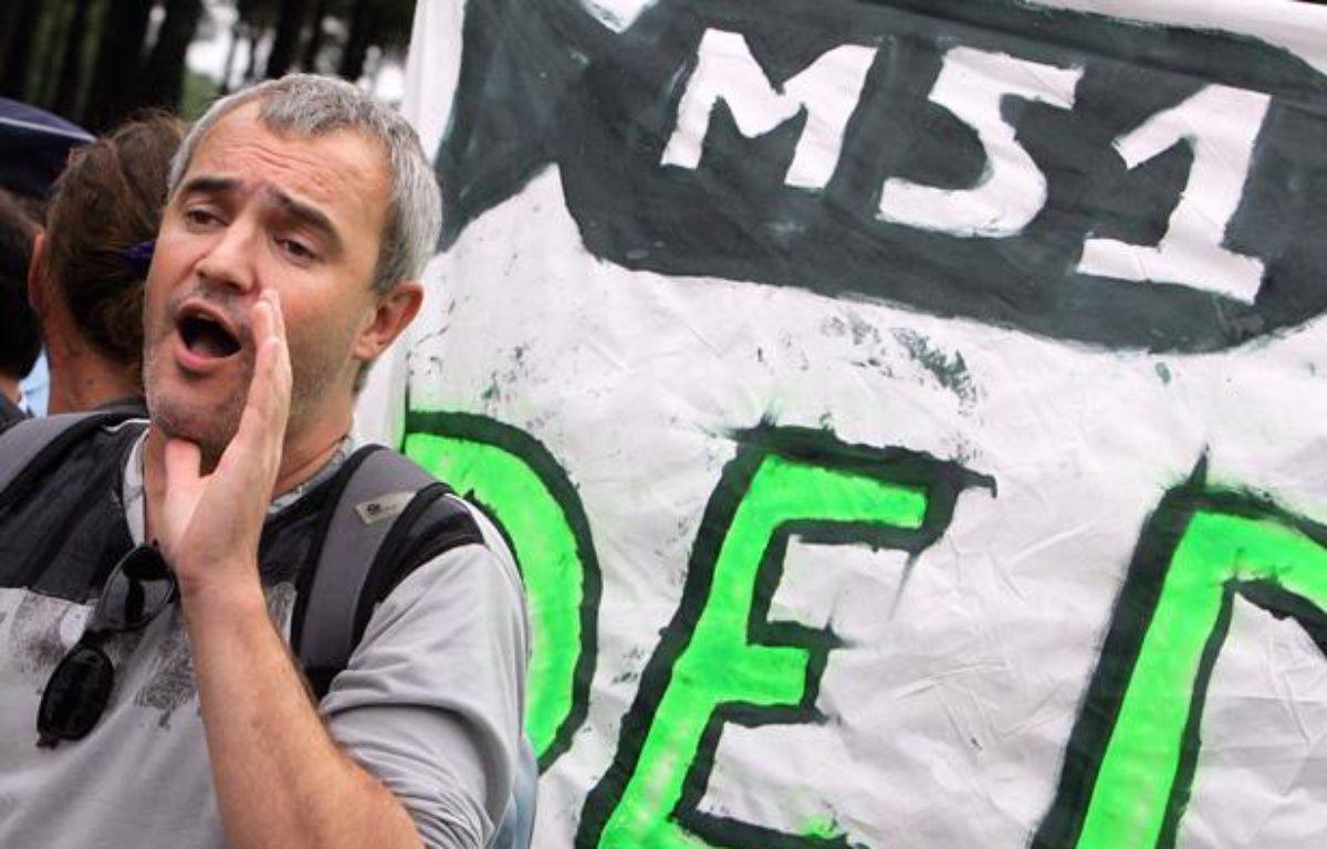 Stéphane Lhomme, président de l'Observatoire du nucléaire, lors d'une manifestation en 2007. – AFP PHOTO PIERRE ANDRIEU